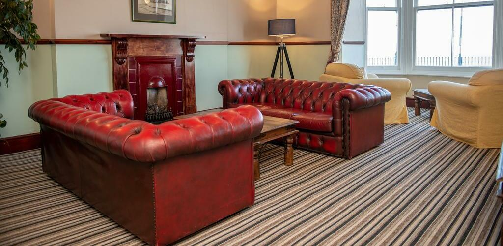 Royal Lion Hotel - Featured