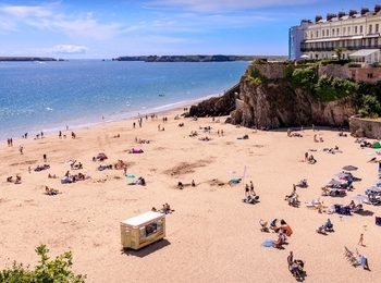Tenby Castle Beach – Featured