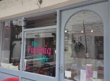 The Fuchsia Caffe – Featured